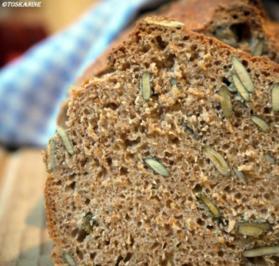Rucki-Zucki Dinkelvollkornbrot mit Kürbiskernen - Rezept