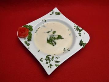 Weiße Tomatenschaumsuppe mit Basilikum - Rezept