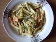 Pasta Maccaroni mit Lachs und Zucchini - Rezept