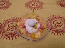 Salada de Fruta mit Kokosbällchen - Rezept