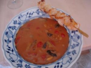 Tomatensuppe mit Garnelenspieß - Rezept