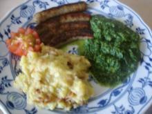 Nürnberger Rostbratwürste mit Rahm Spinat und Zucchini-Kartoffelstampf - Rezept