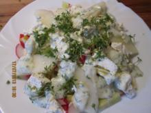Salat mit Honigmelone und Kräuterweisskäse und Joghurt-Kräuterdressing - Rezept