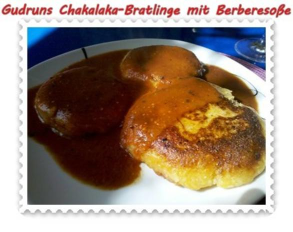 Kartoffeln: Chakalaka-Bratlinge mit Berbere-Tomatensoße - Rezept