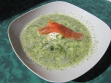 Kalte Gurkensuppe mit Lachs - Rezept
