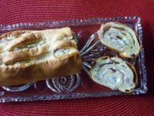 Gerolltes Zwiebelbrot mit Frischkäse - Rezept