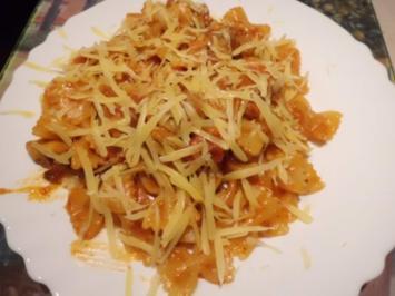 Pfannengericht: Hähnchen-Tomaten-Ragout mit Nudeln - Rezept