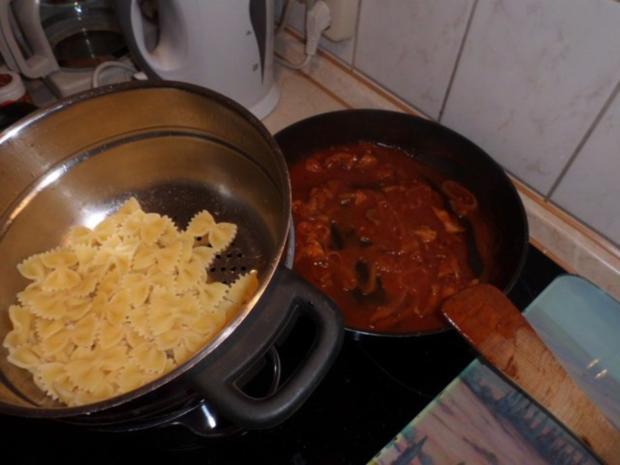 Pfannengericht: Hähnchen-Tomaten-Ragout mit Nudeln - Rezept - Bild Nr. 5