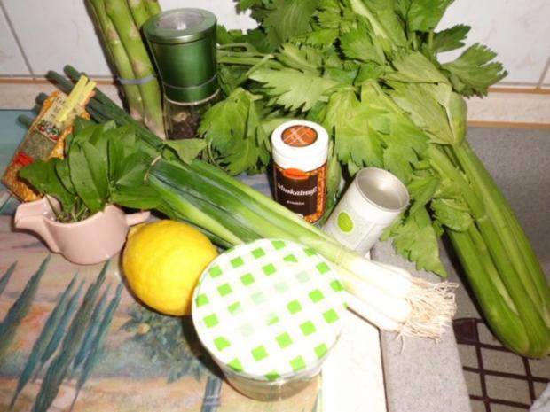 Suppe: Stangenselleriesuppe mit grünen Spargel und Sauerampfer - Rezept - Bild Nr. 2