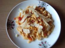 Pasta Tagliatelle mit Hähnchen-Gemüse-Soße - Rezept