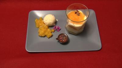 Duett von Kokos-Parfait mit Ananas-Chutney,Zitronencreme, Orangenfilets und Passionsfrucht - Rezept