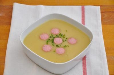 Kartoffel-Lauchsuppe mit Würstchen - Rezept