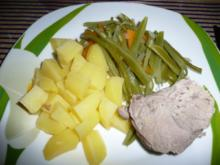 Schweinenacken mit Bohnen - Karottengemüse & Kartoffeln. - Rezept