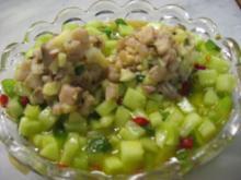 Matjestartar auf Gurkensalat - Rezept