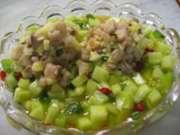 Rezept: Matjestartar auf Gurkensalat