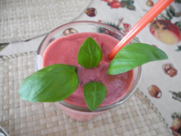 Dessert : Geeiste Erdbeer - Himbeermilch - Rezept - Bild Nr. 7