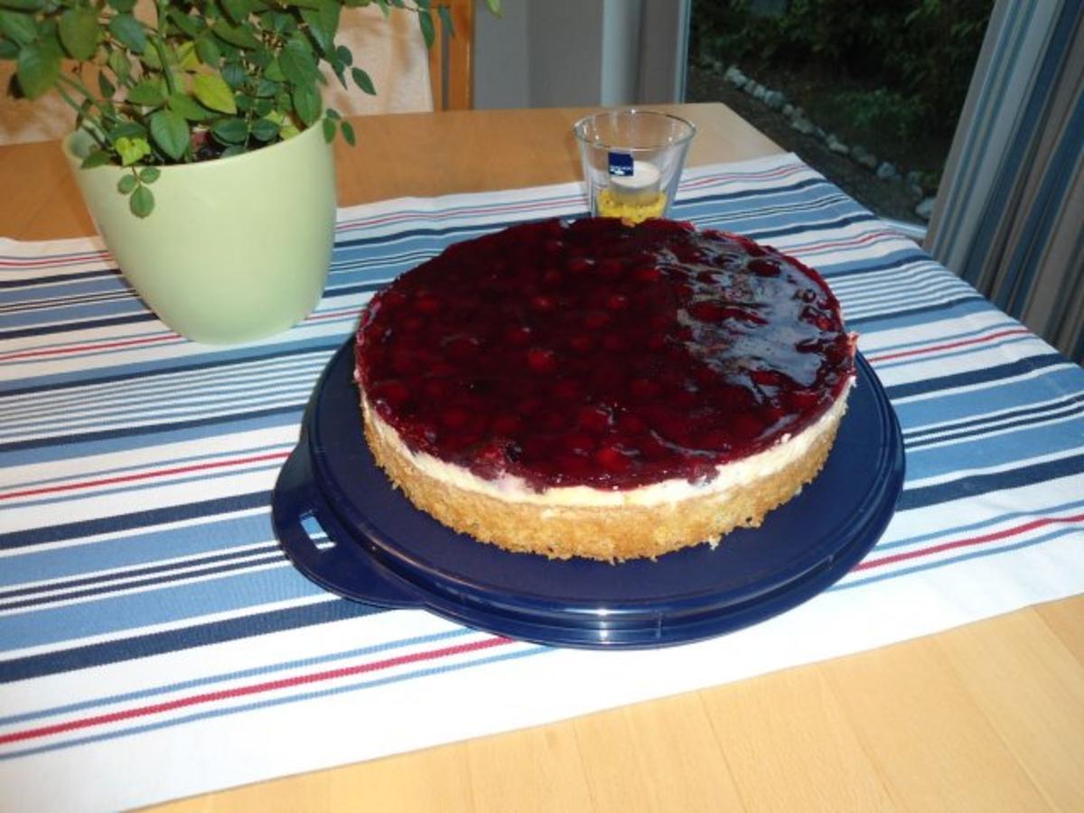 8 Schmand Torte Mit Roter Grutze Rezepte Kochbar De