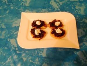 Fingerfood:Bruscetta mit Balsamico Zwiebeln - Rezept