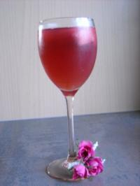 Rooibos-Eistee mit Meloneneiswürfel - Rezept