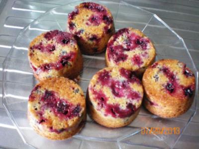 Muffins mit schwarzen Johannisbeeren - Rezept