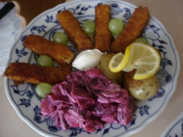 Fischstäbchen mit Rosmarinkartoffeln und Rote-Bete-Salat - Rezept - Bild Nr. 15