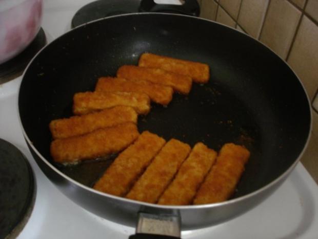 Fischstäbchen mit Rosmarinkartoffeln und Rote-Bete-Salat - Rezept - Bild Nr. 3