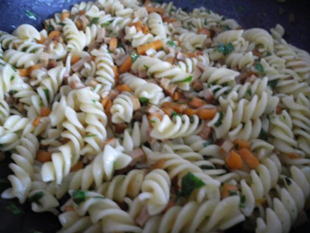 Vegan : Gemüse - Räuchertofu - Nudelpfanne - Rezept - Bild Nr. 2