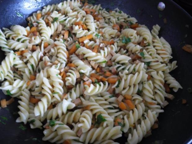 Vegan : Gemüse - Räuchertofu - Nudelpfanne - Rezept - Bild Nr. 19