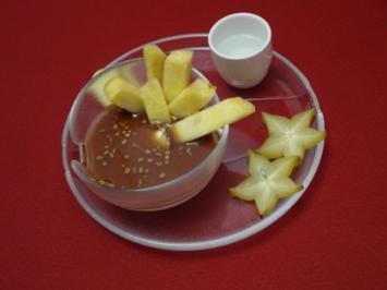 Kokoscreme mit Zitronengras, Ingwer und frischer Ananas - Rezept