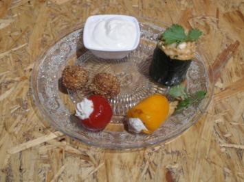 Paprika mit Forellencreme, Flusskrebssalat im Gurkenbecher  und Garnelen im Sesammantel - Rezept