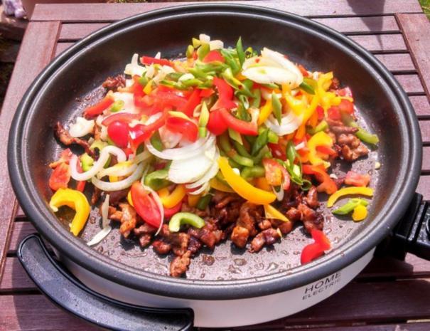 Rind, Schwein & Paprika geschnetzeltes mit Gemüsereis - Rezept - Bild Nr. 6