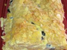 Heidelbeer-Mandel-Biskuitrolle - Rezept