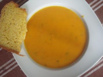 Kürbissuppe mit Zitronengras und Koriander - Rezept
