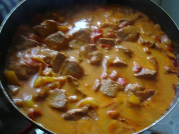Paprika-Gulasch mit Sellerie-Kartoffelstampf - Rezept - Bild Nr. 13