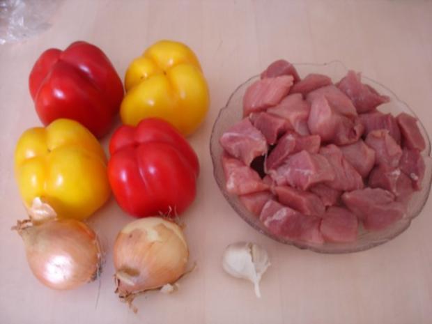 Paprika-Gulasch mit Sellerie-Kartoffelstampf - Rezept - Bild Nr. 2