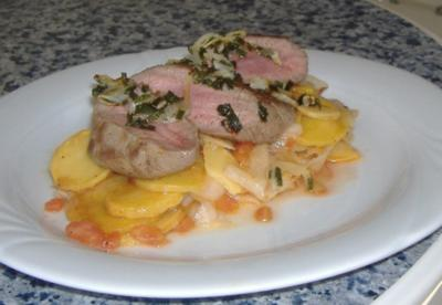 Rettich- Bratkartoffel-Salat mit Lammrückenfilet - Rezept