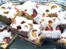 Rhabarber- Haselnuss-Blechkuchen - Rezept