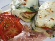 Zucchini geschichtet und überbacken - Rezept
