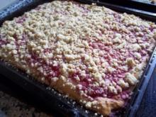 Johannisbeer-Streusel-Kuchen vom Blech - Rezept