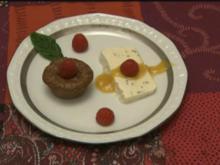 Schokoküchlein mit flüssigem Kern und Minzparfait (Jenny Bach) - Rezept