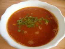 klare Tomatensuppe mit Reiseinlage - Rezept