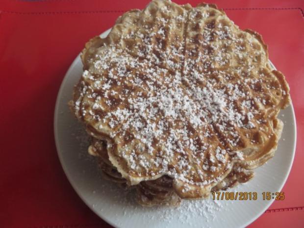 Kuchen: Walnuss-Cremefraiche-Waffeln - Rezept - Bild Nr. 3