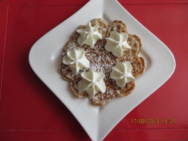 Kuchen: Walnuss-Cremefraiche-Waffeln - Rezept - Bild Nr. 6