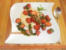 Milchreis mit süßem Minz - Pesto und Erdbeeren - Rezept
