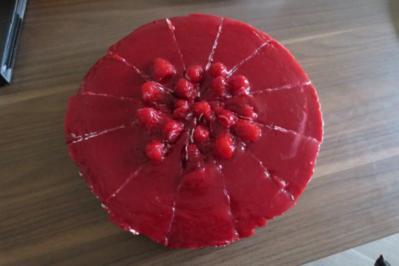 Schoko-Beeren-Torte mit Quarkcreme - Rezept