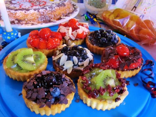 Kesse Obst-Törtchen für ein Geburtstags-Kind ... - Rezept - Bild Nr. 3