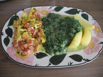Rezept: Würstchen-Petersilien-Rührei mit Kartoffeln und Zwiebel-Rahmspinat