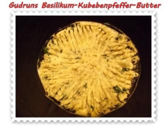 Brotaufstrich: Basilikum-Kubebenpfeffer-Butter - Rezept