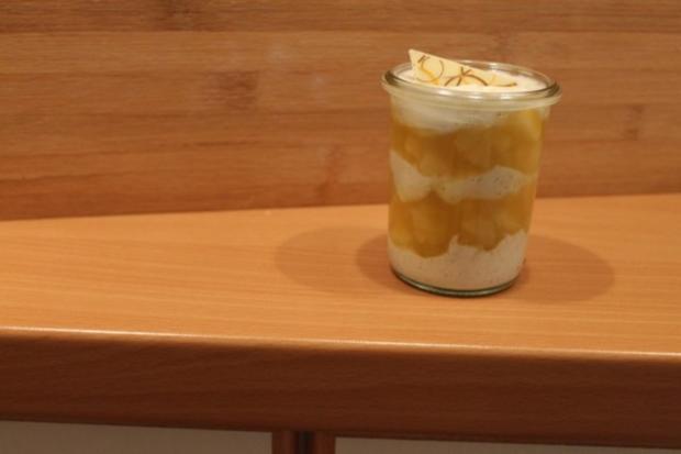 Gelbe Grütze mit Vanille-Joghurt - Rezept