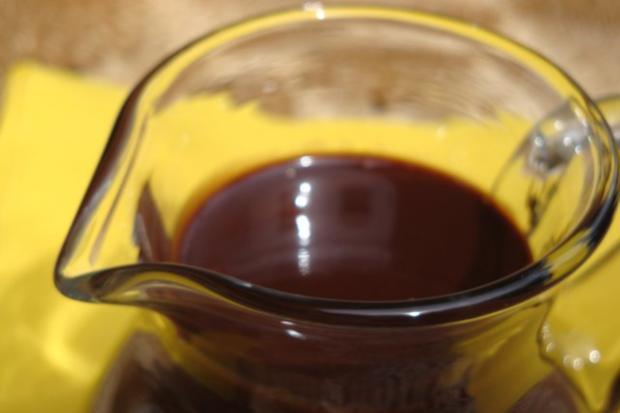 Pralinen-Schokosauce, für Desserts und Eis - Rezept - Bild Nr. 2